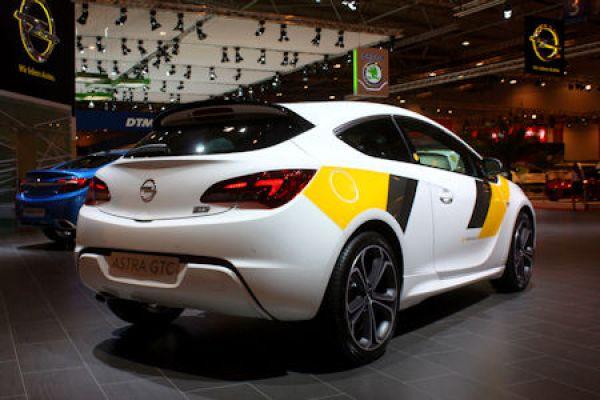 Opel Astra GTC Motorsport-Paket: Heißer Renn-Trimm für die Straße ...