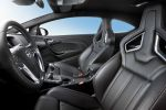 Opel Astra OPC Opel Performance Center 2.0 Turbo HiPerStrut FlexRide Organoblech Interieur Innenraum Cockpit