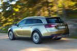 Opel Insignia Country Tourer Offroad Kombi SUV 2.0 SIDI Turbo BiTurboCDTI Allrad FlexRide eLSD Heck Seite