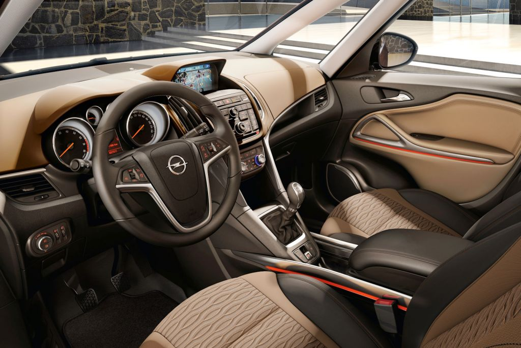 Opel zafira tourer 1 6 sidi turbo neue stufe so stark for Interieur zafira tourer