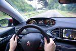 peugeot 308 allure 1.6 THP 155 test - kompaktklasse kompaktwagen turbo premium i-cockpit connect apps internet fahrbericht probefahrt interieur innenraum