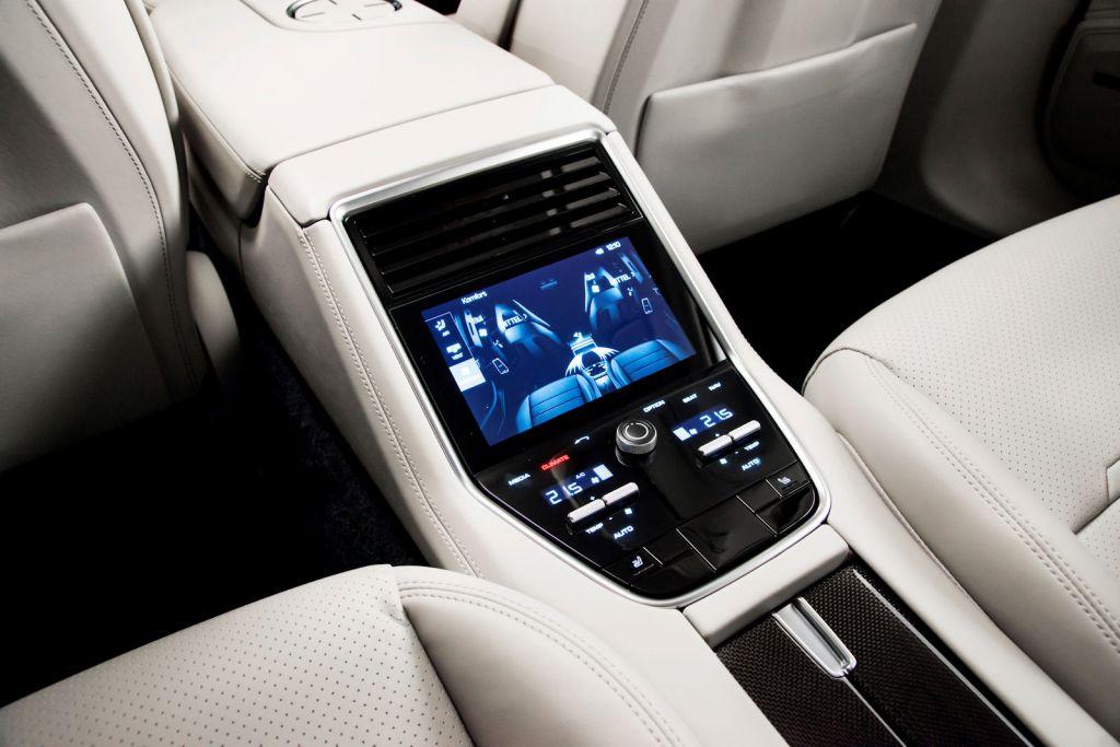 Porsche Cayenne Car Seat Check