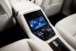 Porsche Panamera Turbo 2017 Gran Turismo Luxus Limousine Allradantrieb 4WD Achtzylinder V8 Biturbo Sport Chrono Paket PASM PTM PDCC Sport PTV Plus PDK PCM Porsche InnoDrive WLAN Internet Smartphone Interieur Innenraum Fond Rücksitze Display Bildschirm