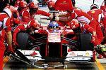 Scuderia Ferrari Kalender 2013 Rosso Corsa Formel 1 Boxenstopp Fernando Alonso Felipe Massa Raupp Design
