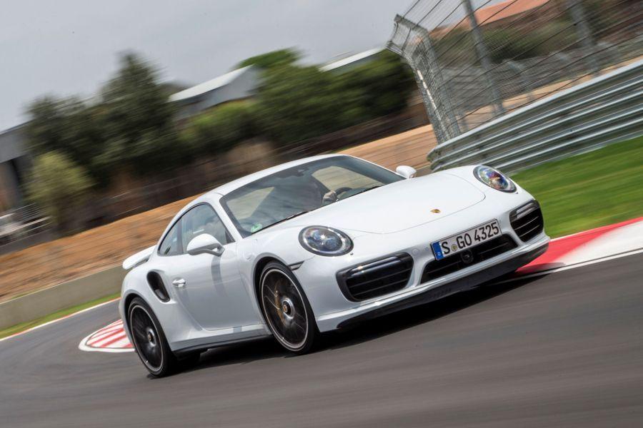 Porsche 911 Turbo S 2016 Test Der Killer Im Ma 223 Anzug