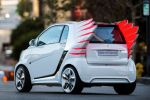 Smart for Jeremy Scott Fortwo Electric Drive EV Vehicle Elektroauto Künstler Designer Flügel Heck Seite Ansicht