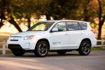 Toyota RAV4 Tesla Elektroauto EV Electric Vehicle Kompakt SUV Front Seite Ansicht
