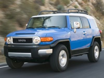 toyota fj cruiser neuer offroader im klassischen look speed heads. Black Bedroom Furniture Sets. Home Design Ideas