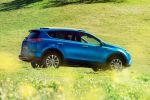 Toyota RAV4 Hybrid Kompakt SUV Facelift 2016 E-Four-Allradsystem Crossover Offroad Geländewagen 2.5 Vierzylinder Benzinmotor Elektromotor Safety Sense Heck Seite