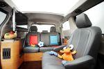 Toyota Sienna Swagger Wagon Supreme SE V6 B.A.D. Company Stretch Van Innenraum Interieur Touchscreen PC