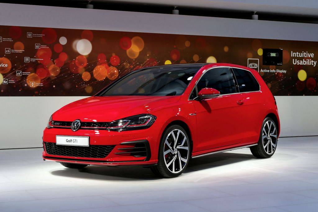 vw golf 7 facelift 2017 erste live fotos und der erste. Black Bedroom Furniture Sets. Home Design Ideas