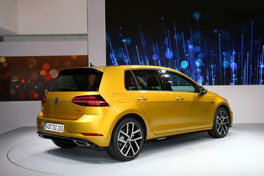 vw golf 7 facelift 2017 erste live fotos und der erste check speed heads. Black Bedroom Furniture Sets. Home Design Ideas