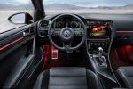 VW Volkswagen Golf R Touch 2.0 Vierzylinder Turbo 4MOTION Allrad Touchscreen Infotainment System Control Center Active Info Display Gestensteuerung Gesture Control Slider Ambientelicht 3D Kamera Hand Smartphone Tablet Touch Display Bildschirm Bass Shaker Soundsystem Race Inszenierung Interieur Innenraum Cockpit