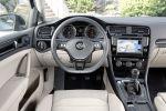 VW Volkswagen Golf VII 7 2012 Interieur Innenraum Cockpit