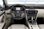 VW Volkswagen Passat Variant B8 Kombi 2014 TSI TDI Turbodiesel 4MOTION Allrad Plug-in-Hybrid DSG Doppelkupplungsgetriebe Trendline Comfortline Highline R-Line Active Info Display virtuelles Cockpit Head-up-Display Combiner MirrorLink Car-Net WLAN Internet Emergency Assist Trailer Assist ACC Dynamik Light Assist Interieur Innenraum Cockpit