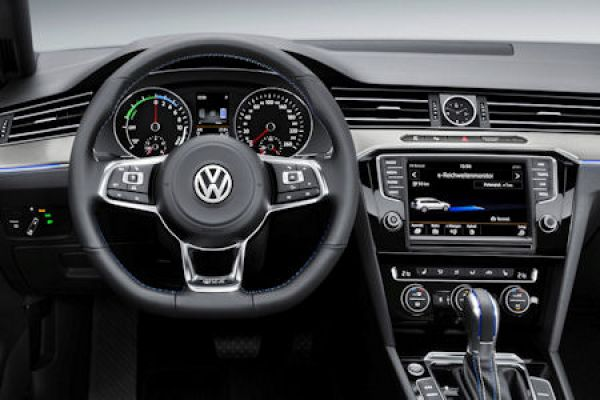 Vw Passat Gte 2015 Der Starke Plug In Hybrid Mit Dem Extra Boost Speed Heads
