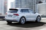 VW Volkswagen Tiguan R-Line 2016 Sportpaket Exterieurpaket Interieurpaket Kompakt SUV Offroad TSI BiTDI Turbodiesel 4MOTION Allrad Rad Felgen Sebring Suzuka Sportsitze Heck Seite