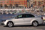 VW Jetta VI Test - Seite Ansicht von seitlich silber Felgen A B C Säule